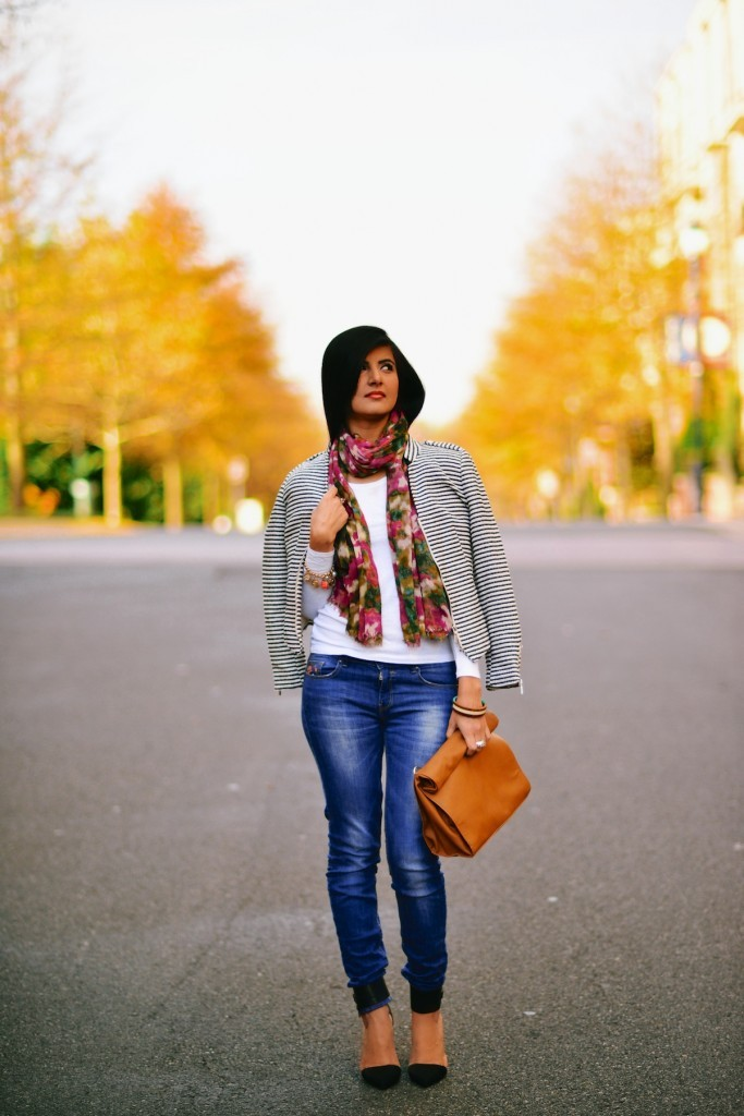 Faded-Blue-Denim-Jeans-with-FLoral-Scarf-002-683x1024