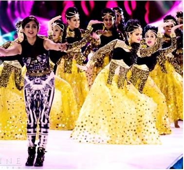 Dancer Tosha Patel Crushes the U S  Bollywood Dance Scene