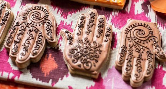 7 Hand Shaped Henna Design Cookies For Your Mehendi Brown Girl